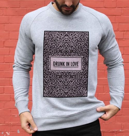 Sweat pour Homme Drunk in Love de couleur Gris chiné