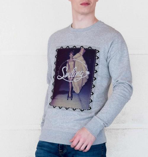 Sweatshirt pour Homme Smiling Girl de couleur Gris chiné
