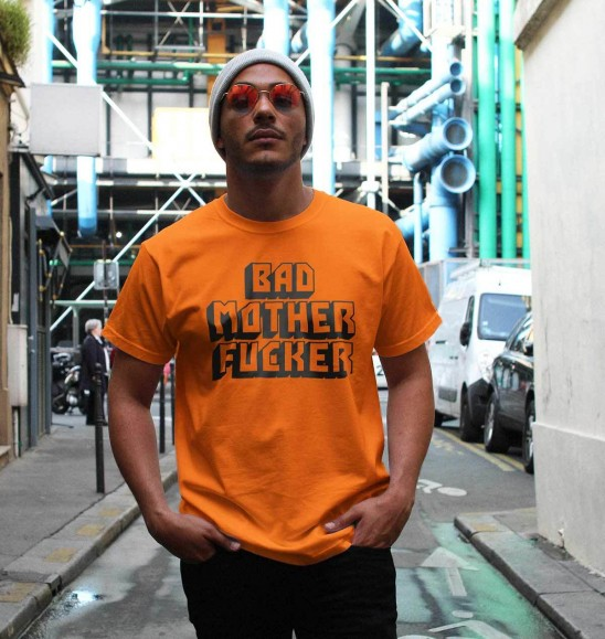 T-shirt pour Homme Bad Mother Fucker de couleur Orange